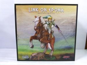 ゼルダの伝説 リンク on エポナの外箱。馬に乗ったキャラクターのイラストが書かれている。