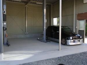 散らかったる前のキレイなガレージ