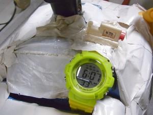 腕時計とメーター01