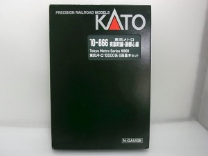 KATO 10-866 東京メトロ 1000系の箱。白い文字や赤い三角のロゴが見える。