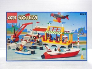 LEGO SYSTEM 6543の外箱。完成後のブロックやフィグの様子が写っている。