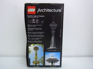 レゴ アーキテクチャー スペース ニードル タワーの箱画像。裏面。実物の写真が写っている。