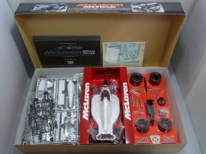 TAMIYA McLaren MP4/6 Hondaの展開画像。中のパーツの様子が覗える。