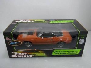 ERTL 1/18 1970 Dodge チャレンジャーワイルドスピード