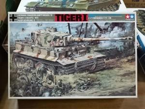 タミヤ 1/25  リモコンタンク タイガーI