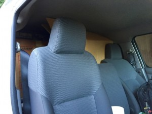 運転席からプラモデル積載風景