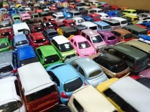 東京都青梅市より トミカ 他 ミニカーを大量にお譲り頂きました。