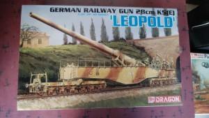 神奈川県横浜市より ドラゴン 1/35 28cm列車砲 K5(E) レオポルド 他 プラモデルをお譲り頂きました。