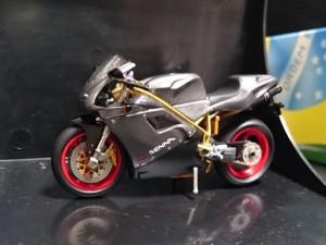 ONYX 1/24 ドゥカティ セナ Ducati 916 Senna