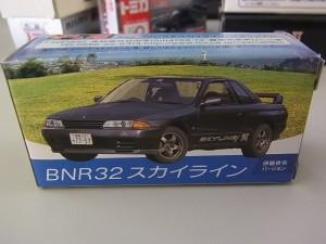 トミカ BNR32スカイライン〈伊藤修令バージョン〉