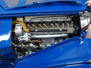 CMC 1/18 ブガッティ タイプ57SC エンジン部