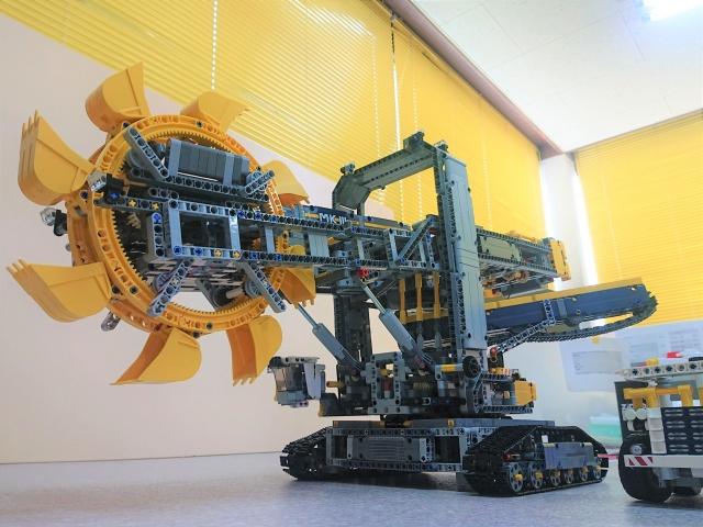 LEGO バケット掘削機 含むレゴ多数を埼玉県川越市から出張にてお譲り頂きました