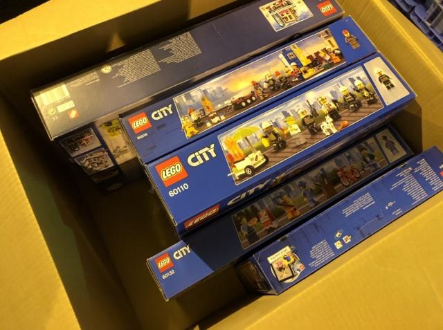レゴ シティ 消防隊やガソリンスタンドなど多数