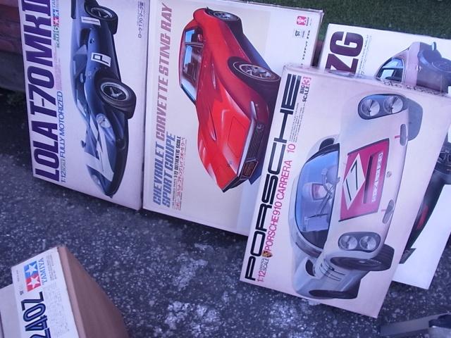 大量の旧バンダイのカーモデル