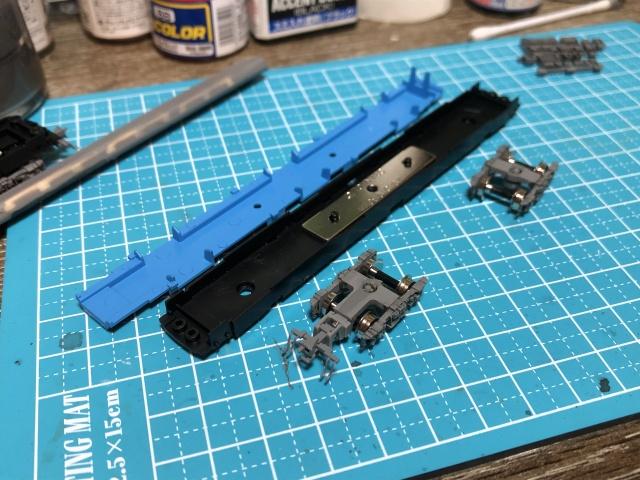 トレーラー車の床板の組み立て
