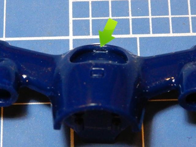 フジミ模型 1/12 NX1 ホンダ スーパーカブ110 (アーベインデニムブルーメタリック)  電飾のためにメーターパネル加工を施す様子。
