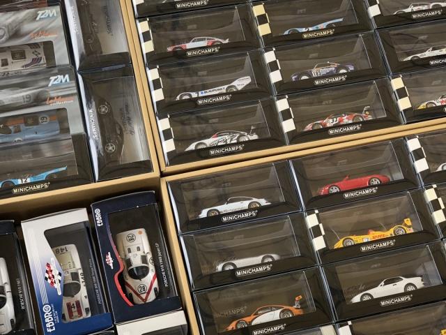 宅配にて福井県坂井市の方より、ポルシェのミニカーを多数カートイワークスへお売りいただきました。