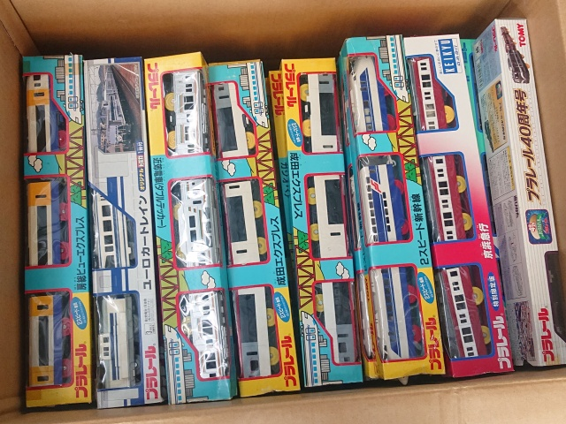 【宅配買取】タカラトミー プラレール ライト付き京急1000形、横須賀線(113系)などプラレール多数を愛知県豊橋市よりお売りいただきました