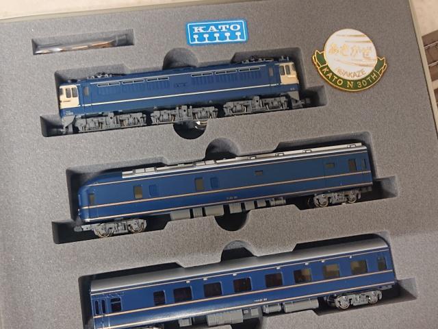 "KATO 10-902 鉄道模型N誕生30周年記念""あさかぜ"" 車両の写真"