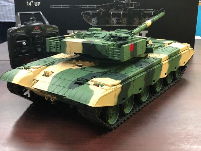 ラジコン戦車 ヘンロン ZTZ 99 MBT  後ろ姿